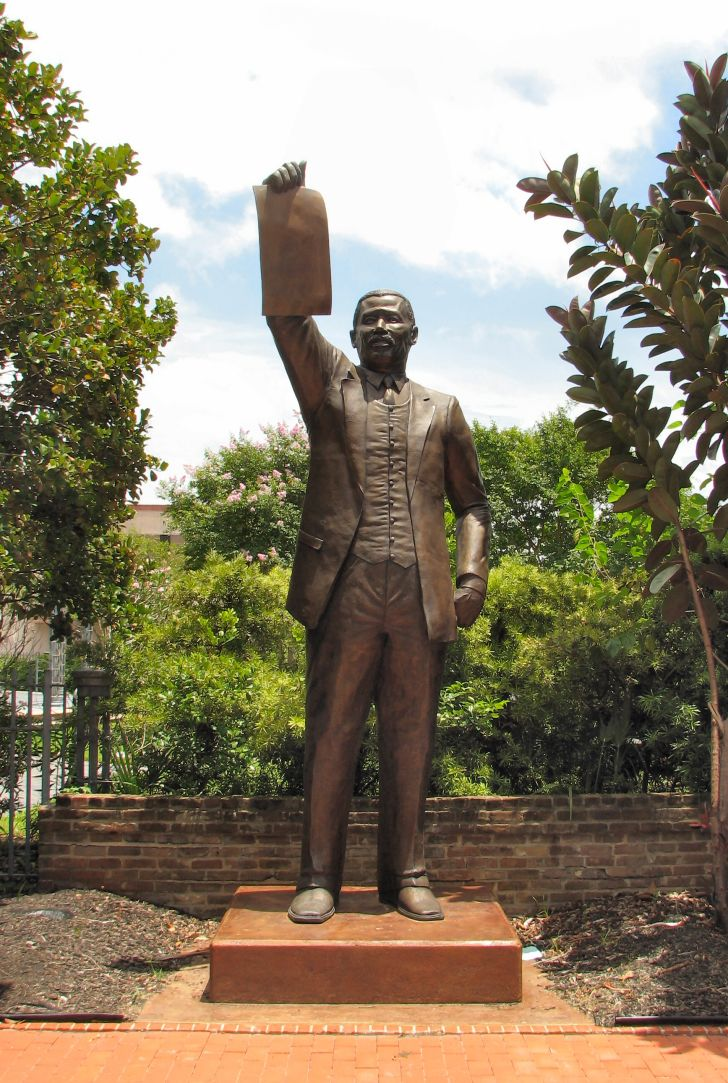 A statue of former Texas state representative Al Edwards, who introduced legislation to have June 19 officially declared a state holiday.