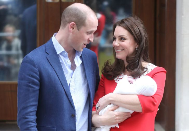 Prince William, Duke of Cambridge and Catherine, Duchess of Cambridge depart the Lindo Wing with their newborn son at St Mary's Hospital on April 23, 2018 in London, England