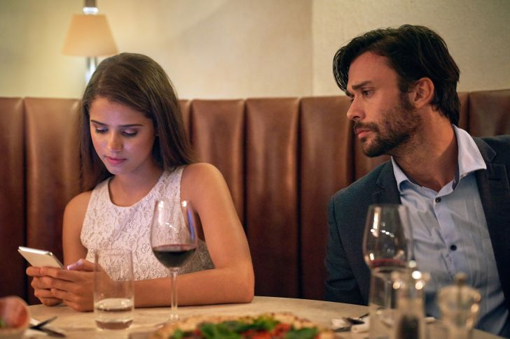woman being indifferent on date