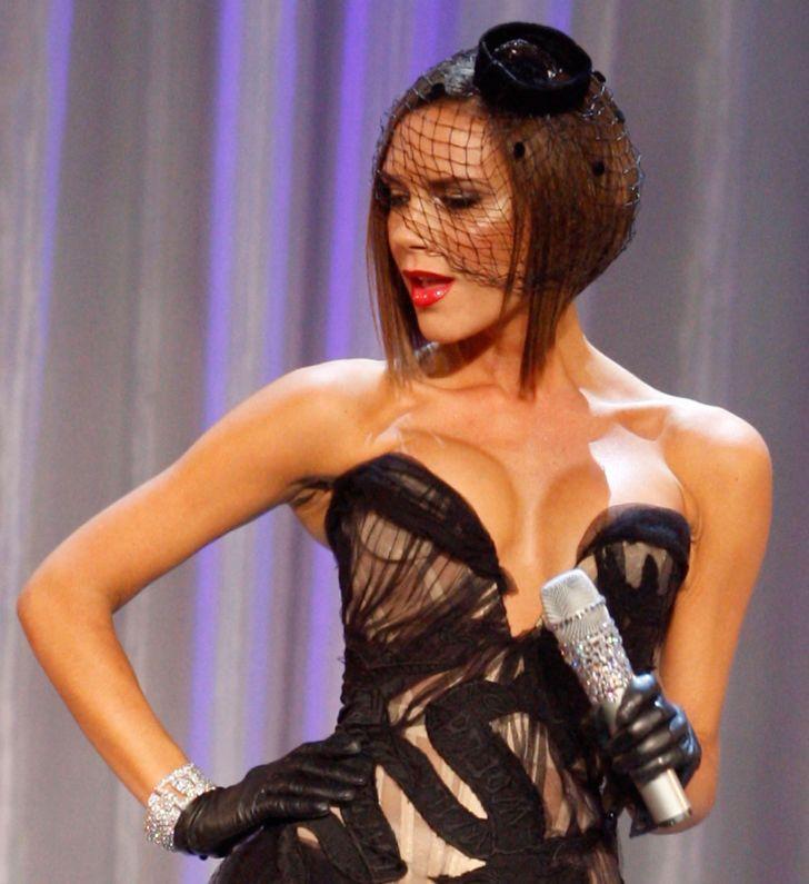 Victoria Beckham wearing a fascinator in 2007.