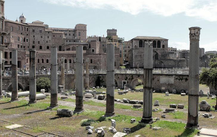 A photograph of Largo di Torre Argentina, where Julius Caesar was assassinated