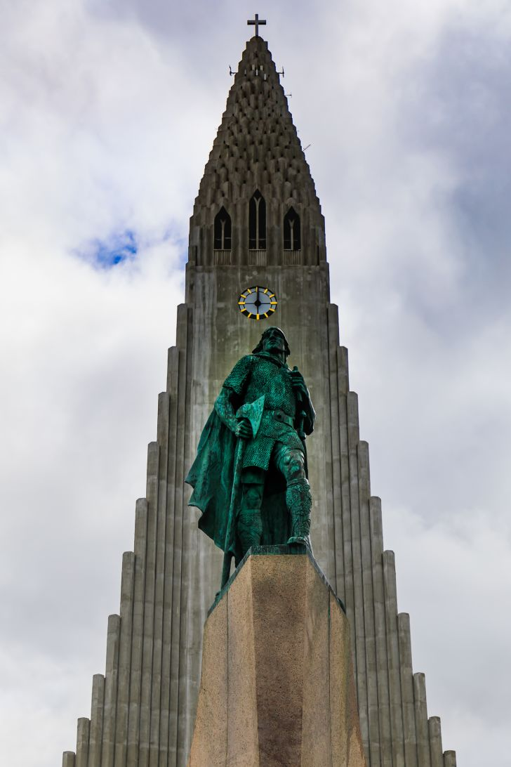 A statue of Leif Erikson.