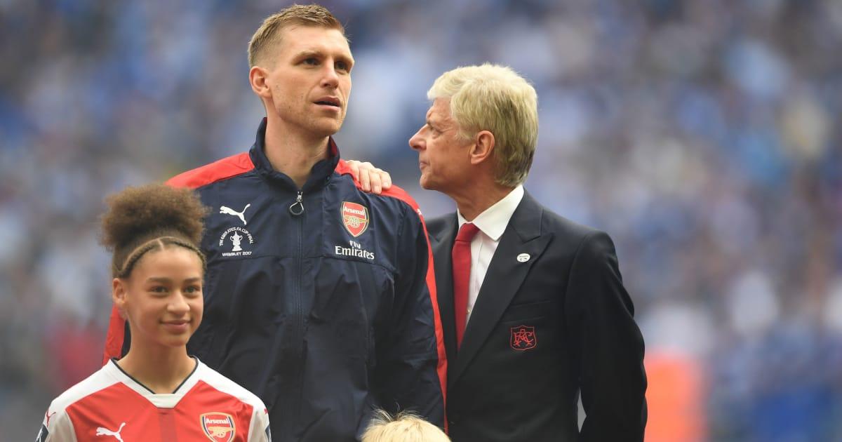 Wenger trở lại cầm quân ở Đức