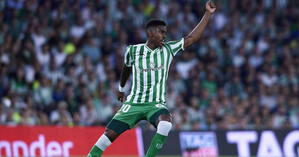 Manchester City Reportedly Line Up £54m Swoop for Wing Back Prodigy Júnior Firpo