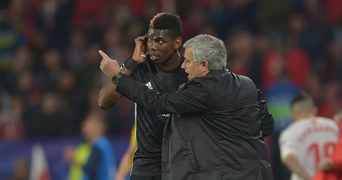 leader jos mourinho donne ses consignes pogba pour la. Black Bedroom Furniture Sets. Home Design Ideas