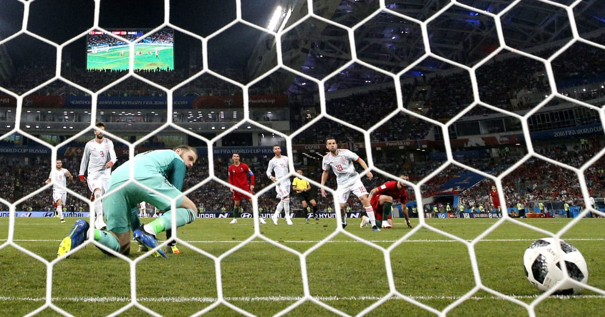 Portugal-v-spain-group-b-2018-fifa-world-cup-russia-5b24f43d7134f6ac93000004
