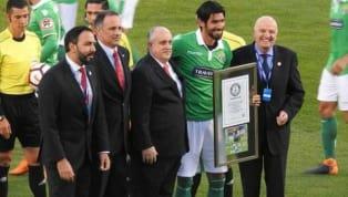 Loco Abreu ganha certificado do Guinness como o jogador que defendeu mais times no mundo