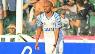 Judson celebra marca de 100 jogos pelo Avaí: 'Sonho realizado'