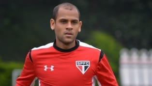 Lateral Carlinhos é o novo reforço do Paysandu para o restante da temporada