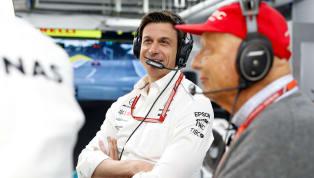 Mercedes perto de definir Hamilton e Bottas como pilotos para a próxima temporada