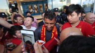 Paulinho é recebido com festa em seu retorno ao futebol chinês