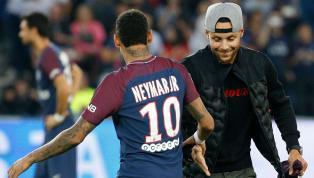 Neymar 'imita' Curry, faz cesta de muito longe e exibe nas redes sociais
