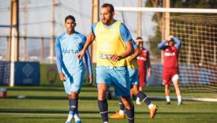Em primeiro treino na Toca, Barcos marca quatro gols e chama atenção