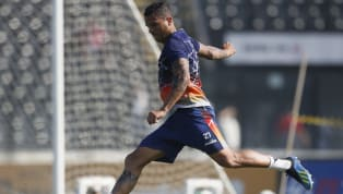 Com lesões musculares, Lenon e Ramon vão desfalcar o Vasco por até 20 dias