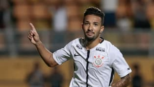 Clayson volta aos treinos no Corinthians; Douglas também participa de atividade