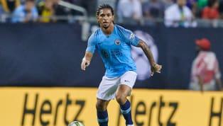 Guardiola confirma desejo de manter Douglas Luiz no Manchester City