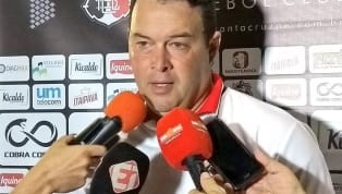 Roberto Fernandes vibra com empate fora de casa, mas garante: 'Deveríamos ter ganho'