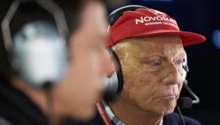 Niki Lauda respira sem aparelhos
