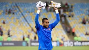 Rodolfo defende pênalti no Maracanã, e torcedores pedem a titularidade do goleiro