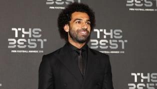 Mohamed Salah leva o prêmio Puskás de gol mais bonito da temporada