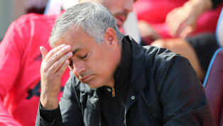 Mourinho balança no comando do Manchester United após mais uma derrota, diz jornal