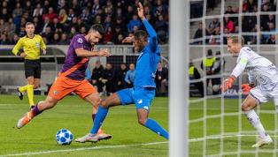 Sané faz grande jogada, mas Agüero perde chance de virar para o Manchester City