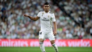Casemiro manda bola na trave e quase empata para o Real Madrid