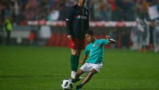 Tal pai, tal filho: Cristiano Ronaldo Jr. dá drible e marca em jogo da Juventus sub-9