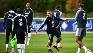 Mbappé dá chapéu durante bobinho em treino da seleção francesa