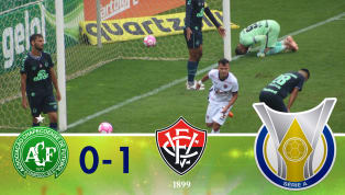 Com gol de Lucas Fernandes, o Vitória leva a melhor sobre a Chape e se afasta do Z-4