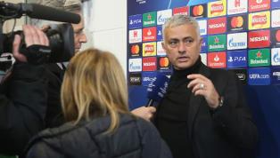 Por conta de trânsito, Mourinho desce do ônibus e vai andando até Old Trafford