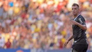 Com gol de pênalti de Maxi López, Vasco derrota o Fluminense no Maracanã