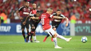 FOI OU NÃO? Veja o pênalti polêmico que deu a vitória ao Inter diante do Atlético-PR