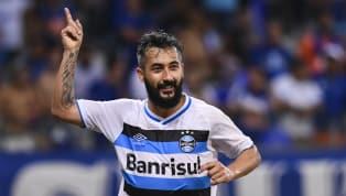 Prestes a completar 250 jogos pelo Grêmio, Douglas afirma: 'Quero novas conquistas'