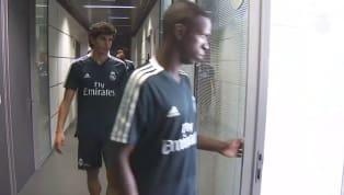 VÍDEO: Vinícius Jr. passa por exames e se apresenta com elenco do Real Madrid