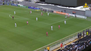 VÍDEO: Edigar Junio perde gol inacreditável em jogo contra o Santos
