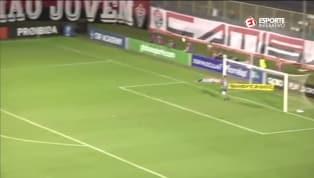 VÍDEO: QUASE PUSKÁS! Por pouco, Cazares não faz gol antológico do meio-campo