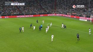 VÍDEO: Manuel Neuer faz defesaça em chute de Griezmann