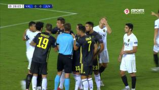 VÍDEO: Cristiano Ronaldo é expulso em estreia pela Juventus na Liga dos Campeões