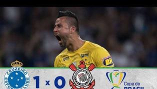 No Mineirão, Cruzeiro bate o Corinthians e sai na frente na final da Copa do Brasil