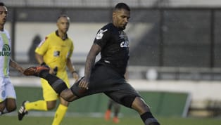 Vasco consegue efeito suspensivo para Breno, que poderá enfrentar o Fluminense