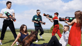 Liberals Horrified by Vogue Photo of David Beckham's Kids Playing With Water Guns