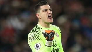Sunderland Accept £2m Bid From Reading for Goalkeeper Vito Mannone