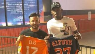 GENIAL: José Altuve intercambió camisetas con una de las estrellas del Houston Dynamo
