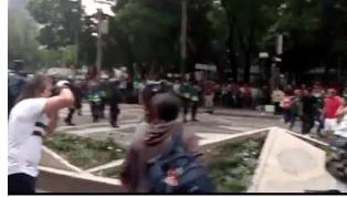 LAMENTABLE | Aficionados y policía se enfrentaron en la CDMX tras la victoria del Tri a Alemania