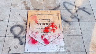 """RAT"" - Atletico Fans Spray Disgusting Message on Thibaut Courtois' Plaque at Wanda Metropolitano"