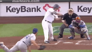 VIDEO: Kyle Seager Rips 3-Run Homer to Put Mariners on Top of Dodgers