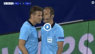 VIDEO | Valencia-Juventus, il dialogo tra gli arbitri prima dell'espulsione di Ronaldo: incredibile!