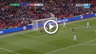 """VIDEO: Hóa """"siêu anh hùng"""", Fellaini đánh đầu cận thành gỡ hòa cho Man United"""