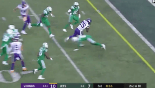 VIDEO: Watch Latavius Murray Find a Seam for 11-Yard Touchdown